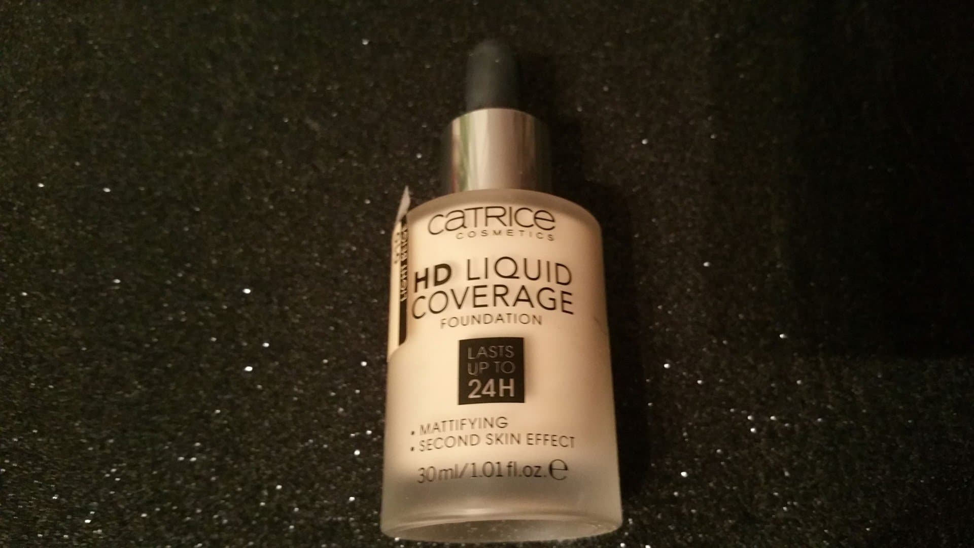 base HD Liquid Coverage de Catrice